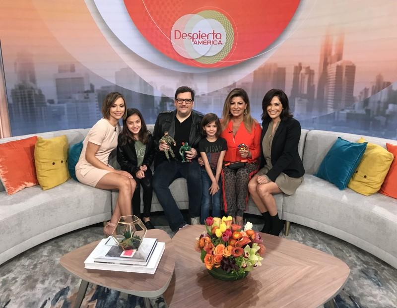 Manny announces NostalgiaCon on Despierta America  on March 21, 2019.