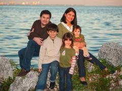 Wacky PapiBlogger web site launches to showcase creative parenting tricks Thumbnail
