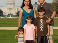 Smithsonian Museums Become Focus of Day 43 of PapiBlogger Family Road Trip Thumbnail